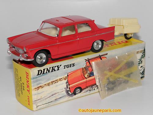 Dinky Toys France 404 berline avec galerie et skis avec remorque monoroue